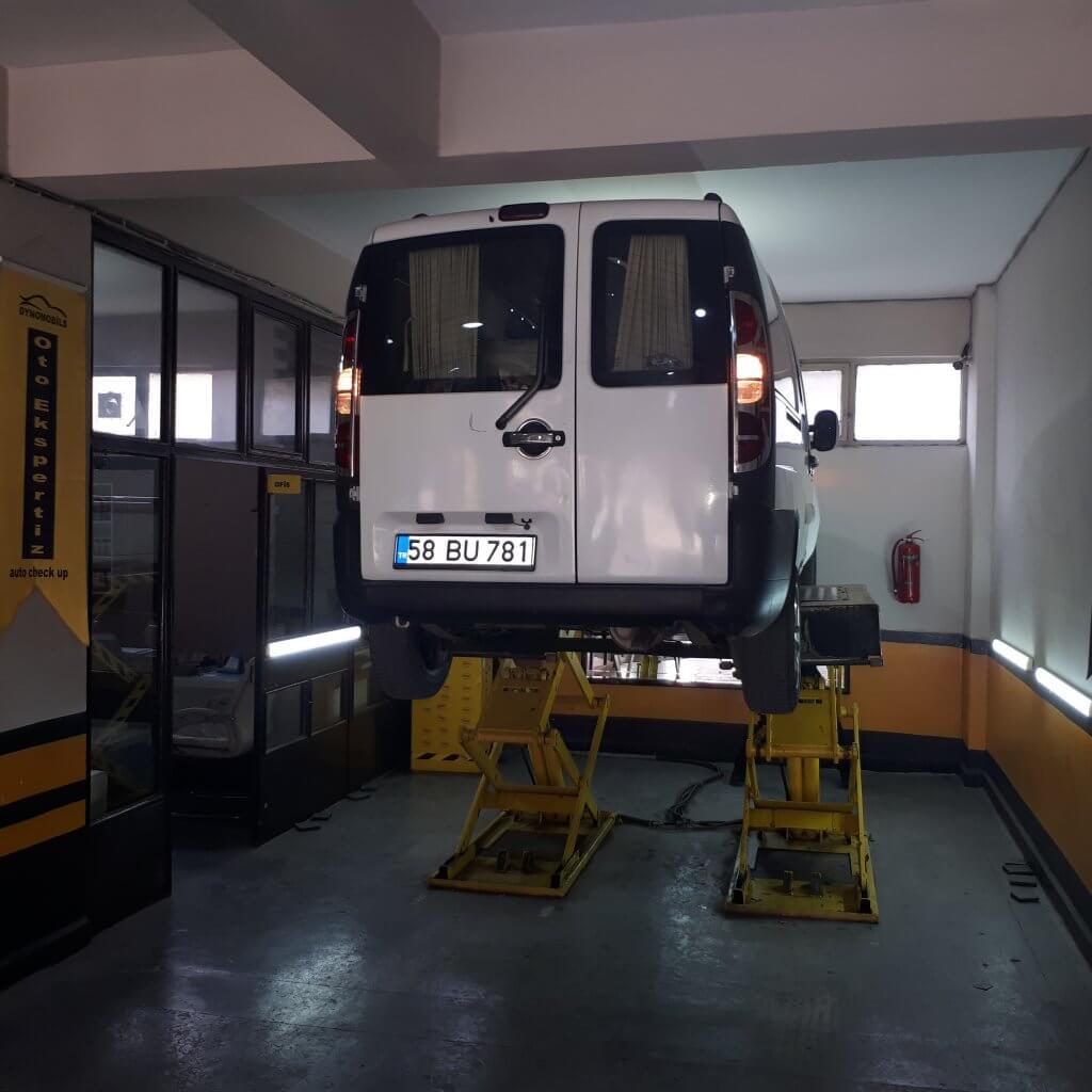 Aracın Lift ile Kaldırılması